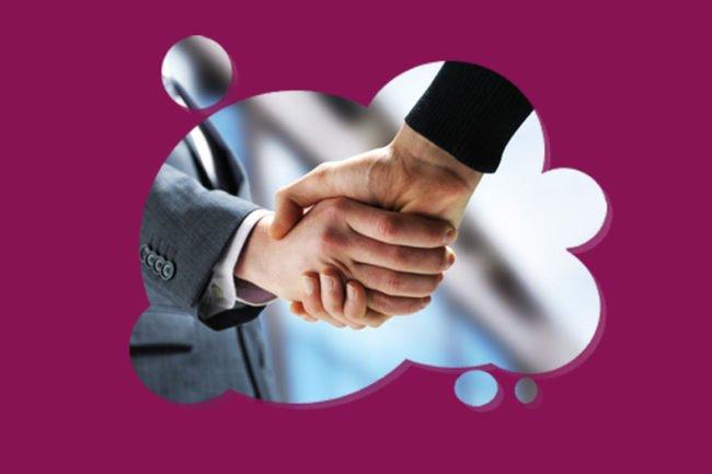 Imagem de um aperto de mãos representando o cliente e empresário, para ilustrar as oportunidades da plataforma WebTV Corporativa da Datatix.
